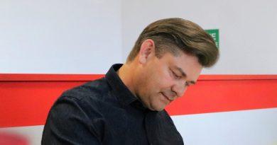 Czy Media Markt kłamie? Sprzeczne informacje na temat Zenka Martyniuka!
