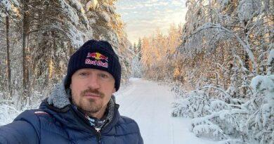 Adam Małysz poróżuje po Finlandii. Nie spodziewał się, że TO go spotka na trasie!