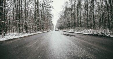 Niebezpiecznie na drogach! IMGW ostrzega przed fatalnymi warunkami pogodowymi.