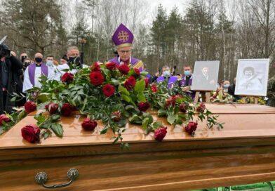 To stało się z GROBEM Krzysztofa Krawczyka w dwa miesiące po pogrzebie. [FOTO]